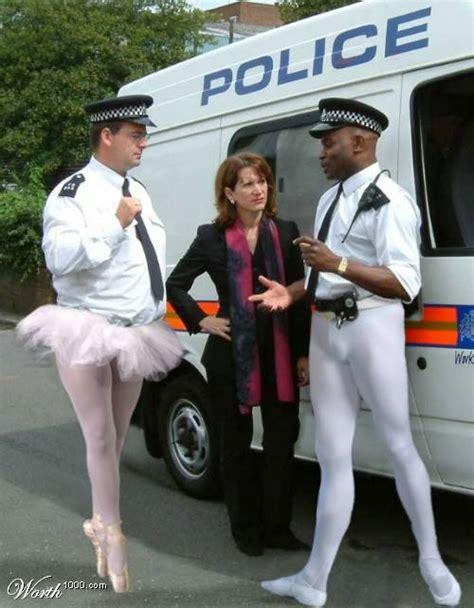 tante ngangkang potret polisi zaman   bikin