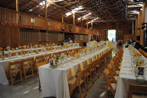 casual wedding reception ideas   Chic rustique! What a