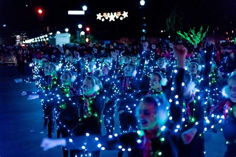 niantic christmas light parade 2017 tempe fantasy of lights 2017 boat and float parades