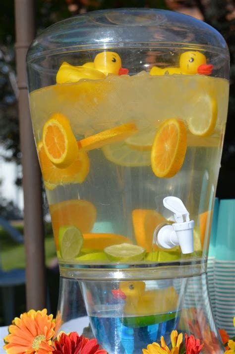 Yellow Duck Baby Shower Decorations by 25 Best Ideas About Yellow Baby Showers On
