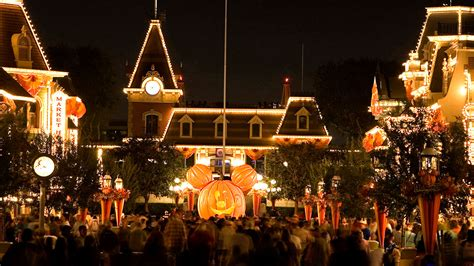so the den christmas scare up some with time at the disneyland resort september 9 through october 31