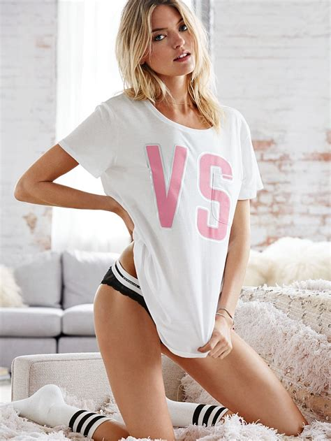 victoria s martha hunt victorias secret10