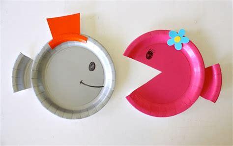 como hacer un avion en whatever floats your boat colorful diy paper plate fish for your kids kidsomania