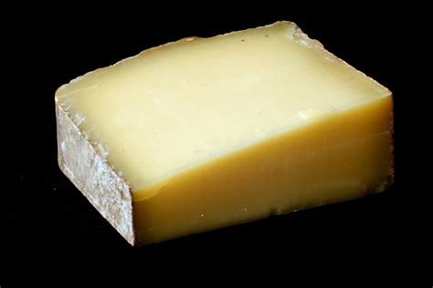 food safety how to recognize that a hard cheese is mouldy seasoned advice