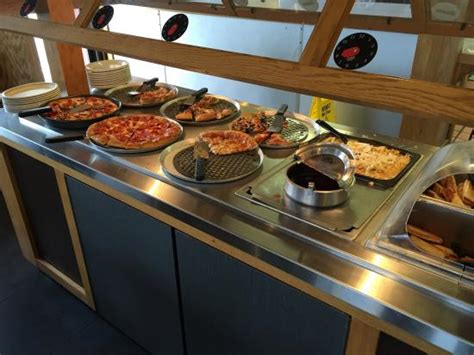 pizza hut lunch buffet picture of pizza hut bedford
