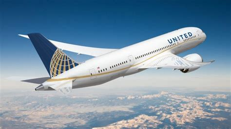 upgrade seat united airlines no one will be fired passenger dragging incident