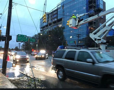 crews put   traffic light  downtown charleston  tractor trailer