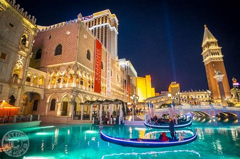 best hotel to stay in las vegas 8 reasons why the venetian is my favorite place to stay in