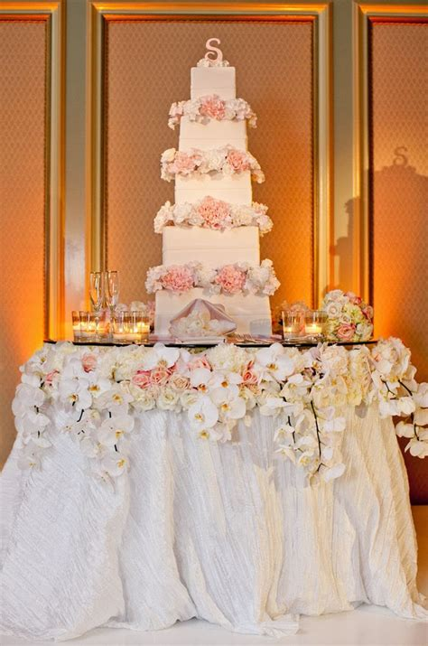 fabulous wedding cake table ideas using flowers belle