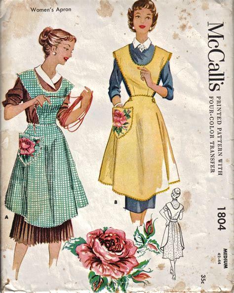 sewing vintage apron dancing bumblebee cottage original vintage apron sewing