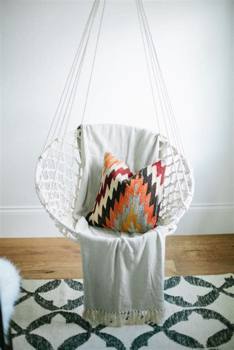 cool hanging chairs for bedrooms 25 best ideas about hanging egg chair on pinterest egg