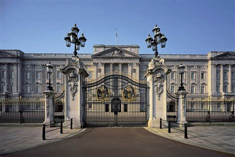 buckingham palace buckingham palace ultimate guide to london s royal