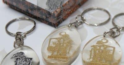 membuat gantungan kunci bening jual resin fiberglass online jual resin bening