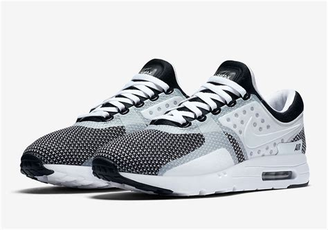 Nike Airmax Zero 1 nike air max zero oreo 876070 005 sneakernews