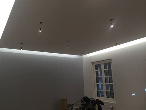 eclairage indirect plafond led eclairage architectural de magasin in deco