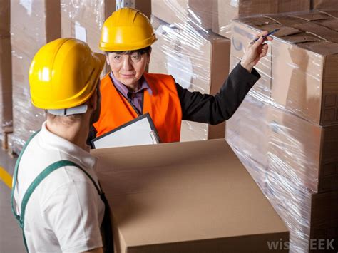 what is a logistics coordinator with pictures