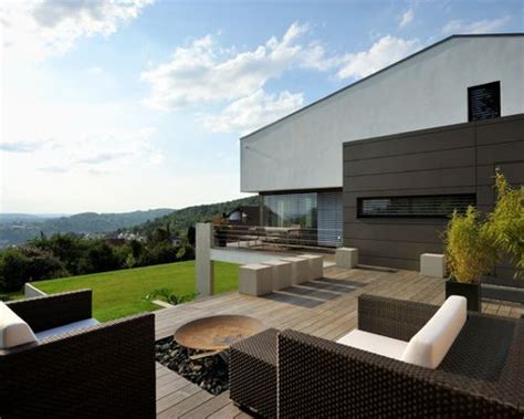 moderne terrassen moderne terrasse mit feuerstelle ideen f 252 r die