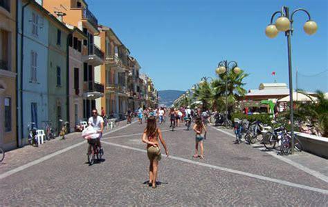 piazza borgo porto recanati porto recanati mc il salotto sul mare turismo e