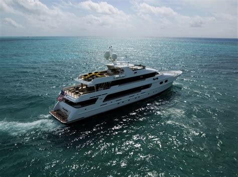 tiger woods boat tiger woods yacht offshoreonly