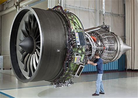 Turbine Engine Mechanic by The Aircraft Mechanic Misperception Faculty Forum