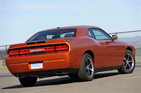the challenge 2011 2011 dodge challenger se drive photo gallery autoblog