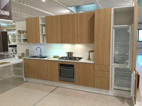 cucina in rovere cucina astra cucine tutto legno con penisola rovere