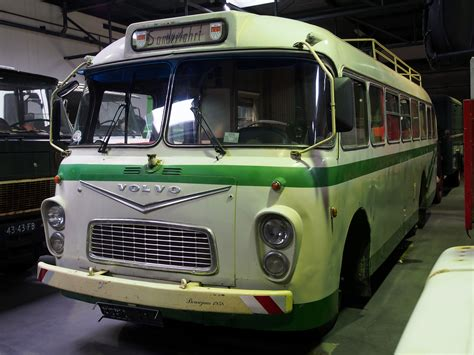 file volvo bus picjpg wikimedia commons