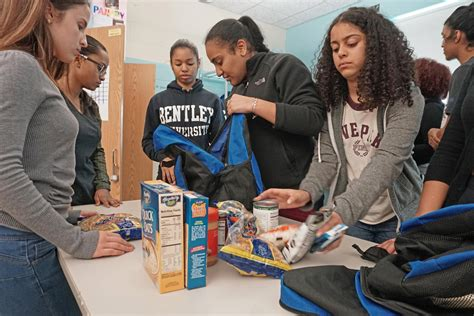 Food Pantry Providence Ri by Providence Students Food Bank Nourishes And Spirit