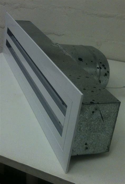 linear 2 slot vent 600mm white