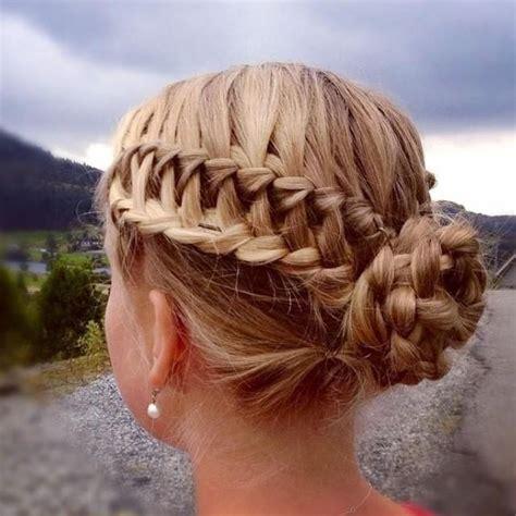20 ideas de bellos peinados para mujeres y niñas faciles
