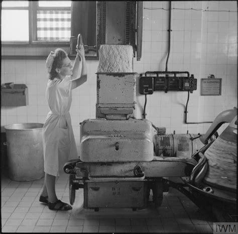the wonder worker number a modern bakery the work of wonder bakery wood green london england uk 1944 d 23143