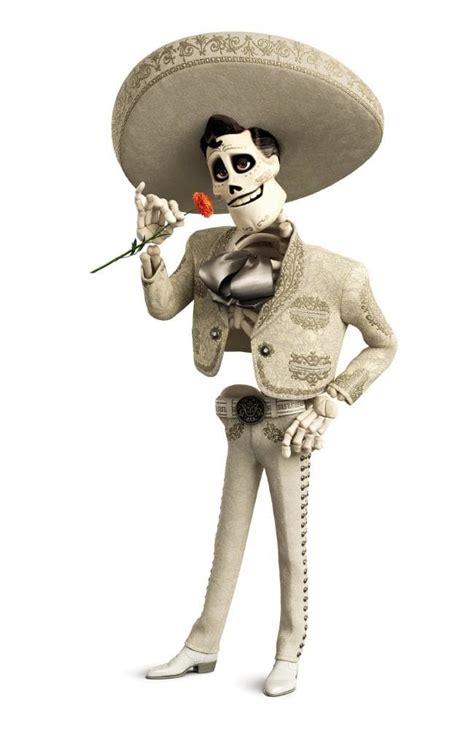 Coco De La Cruz | benjamin bratt singing in disney pixar s boxing day movie coco
