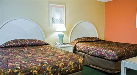 florida hotels reservation rodeway inn suites haines city