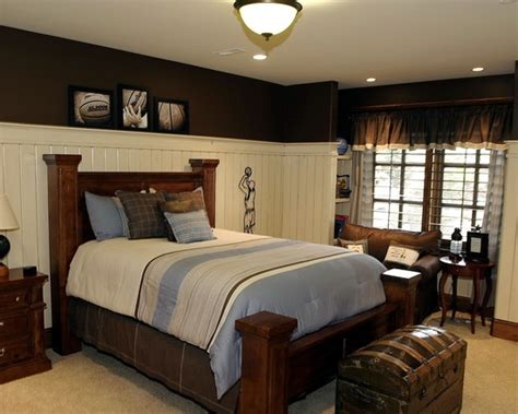 Wainscoting Ideas For Bedroom by Wainscoting Stays White 3 4 Wall Height Above Could