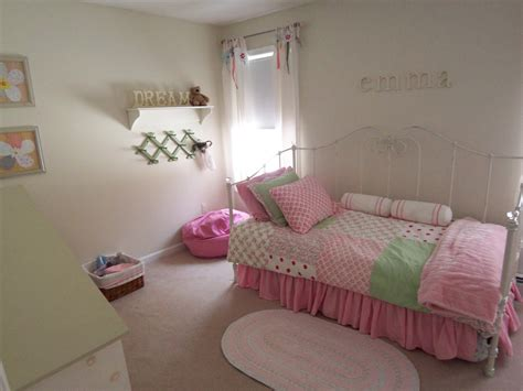 teenage girl bedroom themes ideas butterfly wall decor theme ideas teenage girl bedroom ideas for small rooms girl