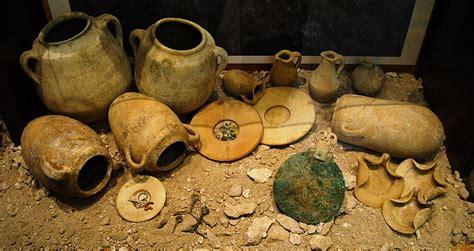 vasi funerari egizi sardegna