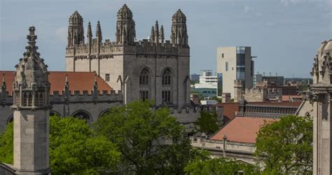 Uchicago Search Uchicago Raises Fundraising Caign Goal By 500 Million To A Record 5 Billion