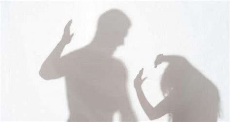 Stop Kdrt Kekerasan Dalam Rumah Tangga bila kdrt ada di lingkunganmu apa yang harus dilakukan satu jam