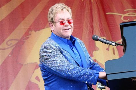 Wedding Song Elton by Sir Elton Paid 163 1m To Sing At A Studded Wedding