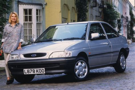 ford escort rs cosworth manual    hp  doors technical specifications