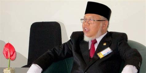 biografi fahri hamzah pks pks bantah pemecatan fahri hamzah pembersihan loyalis anis