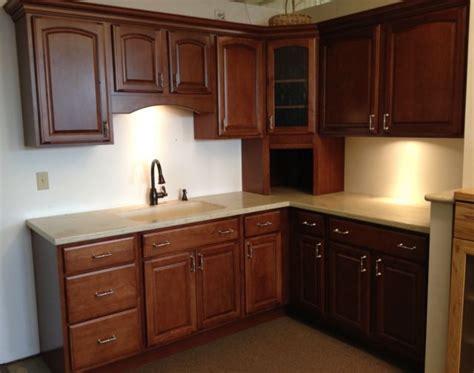chestnut kitchen cabinets 17 best images about kitchen dining on pinterest