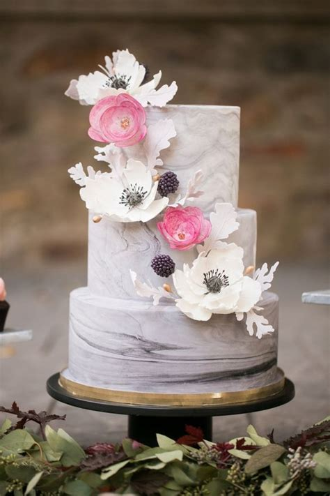 stunning marble wedding cakes    wedding