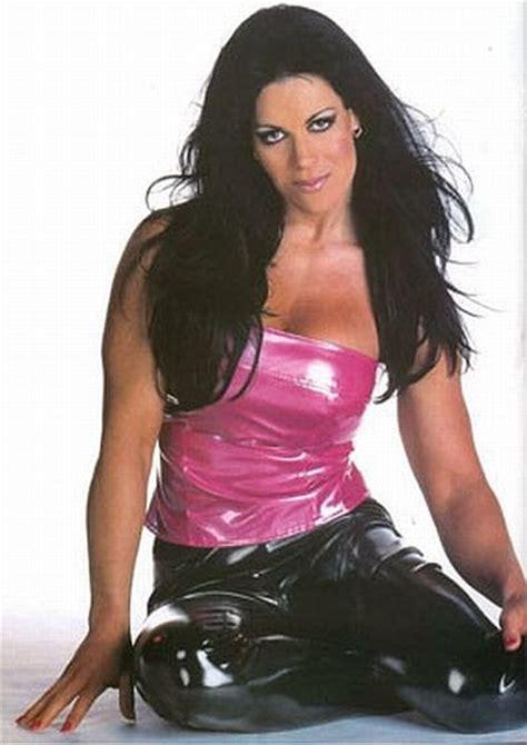 celebrity rehab chyna beautiful women of wrestling chyna in celebrity rehab on vh1