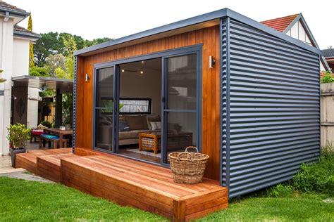 inoutside outdoor rooms man