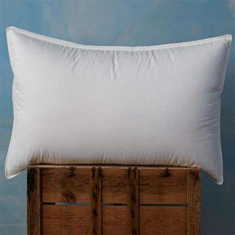 Top Pillow For Side Sleepers by Top 5 Pillows For Side Sleepers Soak Sleep
