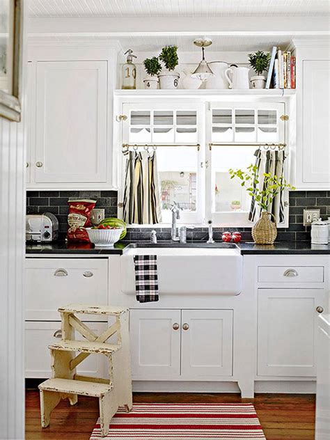 Kitchen Decorating Ideas For Above Cabinets 10 Ideas For Decorating Above Kitchen Cabinets