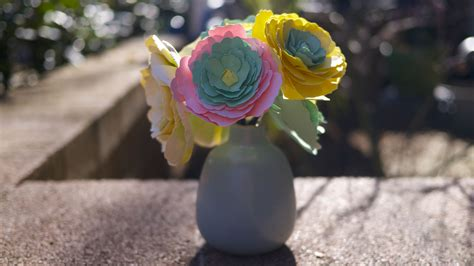gambarseni menghasilkan bunga kertas  elegan oleh