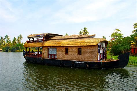 alleppy boat house alleppey houseboat one day trip in backwaters of kerala