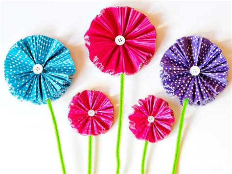 How To Make Paper Cupcake Liners - how to make paper flowers using cupcake liners how tos diy